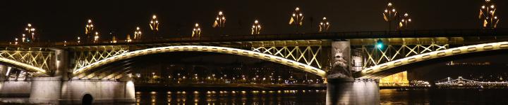 VQAN4A1103budapest.bridge.750x150.